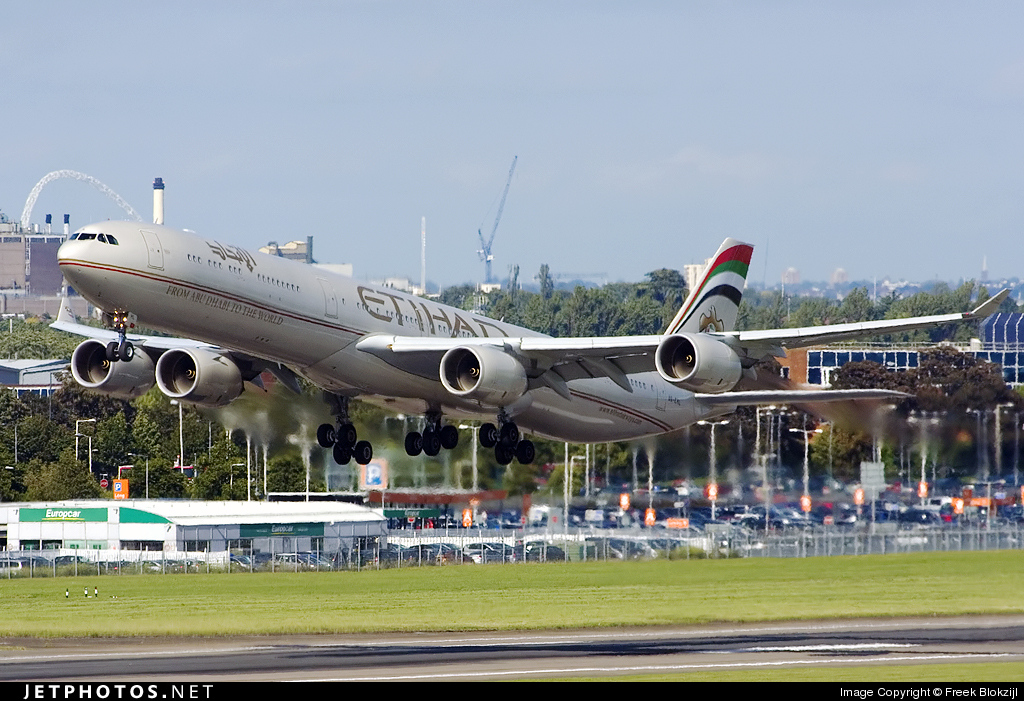 Photo of A6-EHL Airbus A340-642X by Freek Blokzijl
