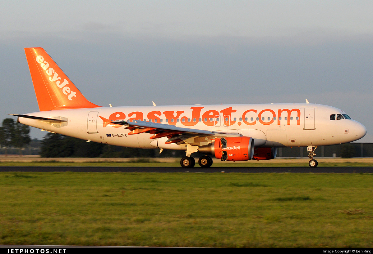 Photo of G-EZFC Airbus A319-111 by Ben King