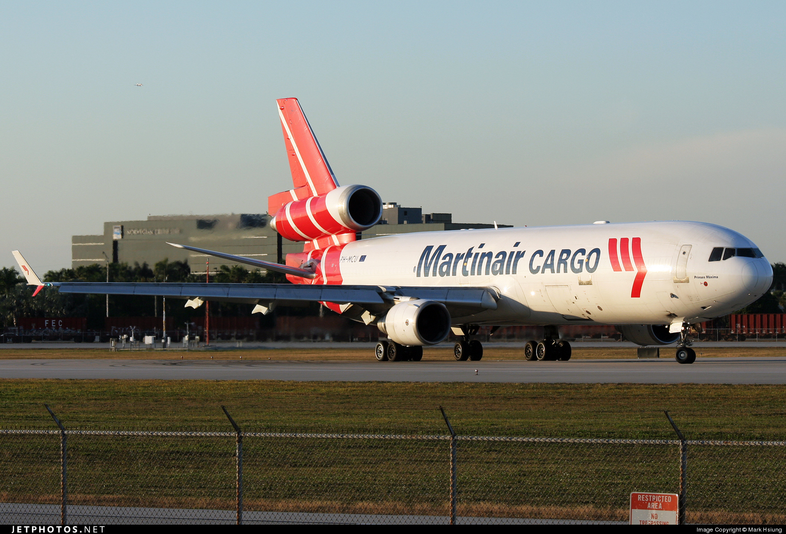 Photo of PH-MCU McDonnell Douglas MD-11(F) by Mark Hsiung