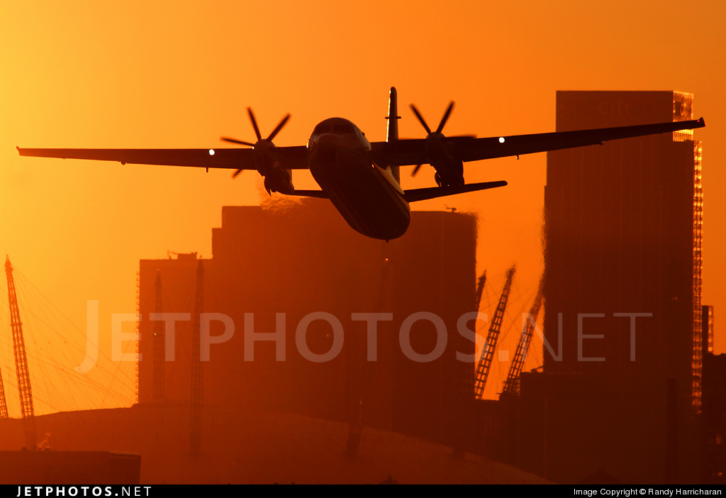 Photo of OO-VLO Fokker 50 by Randy Harricharan