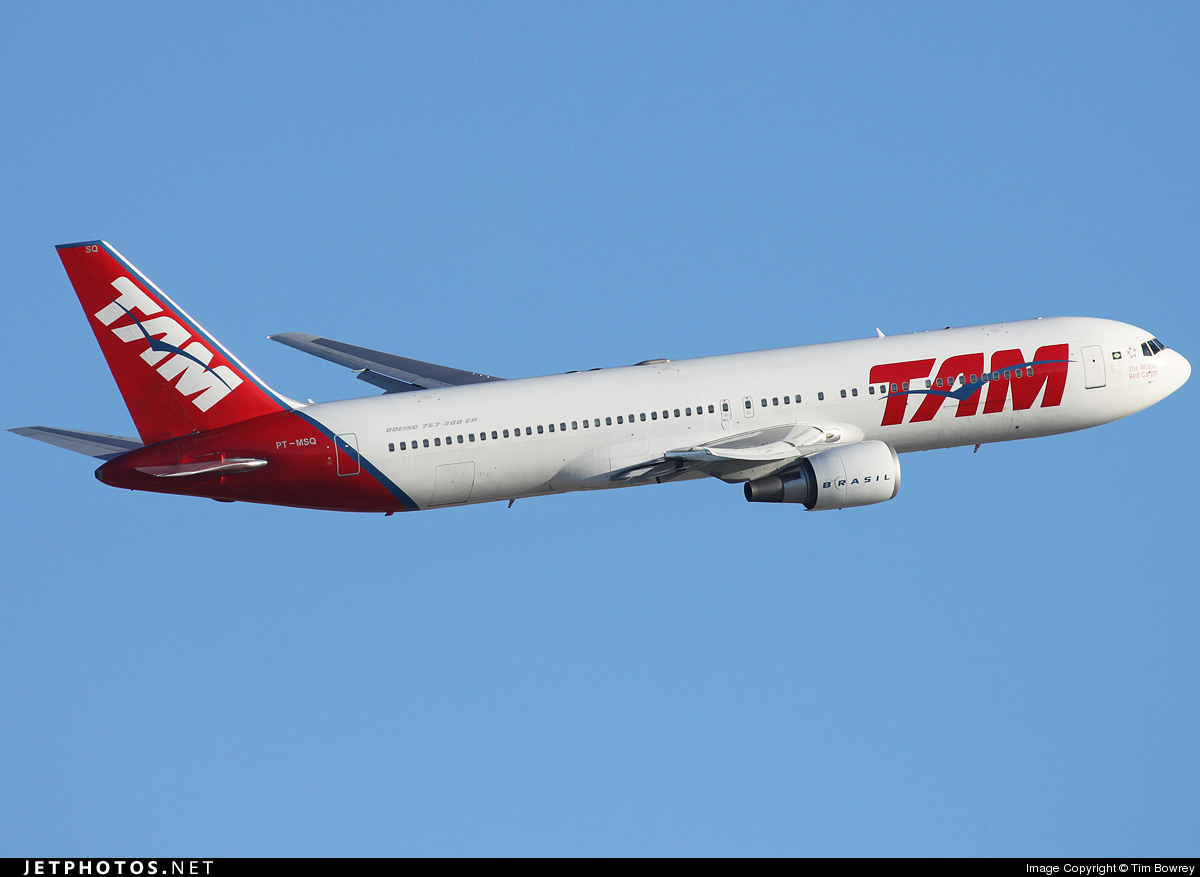 Photo of PT-MSQ Boeing 767-33A(ER) by Tim Bowrey