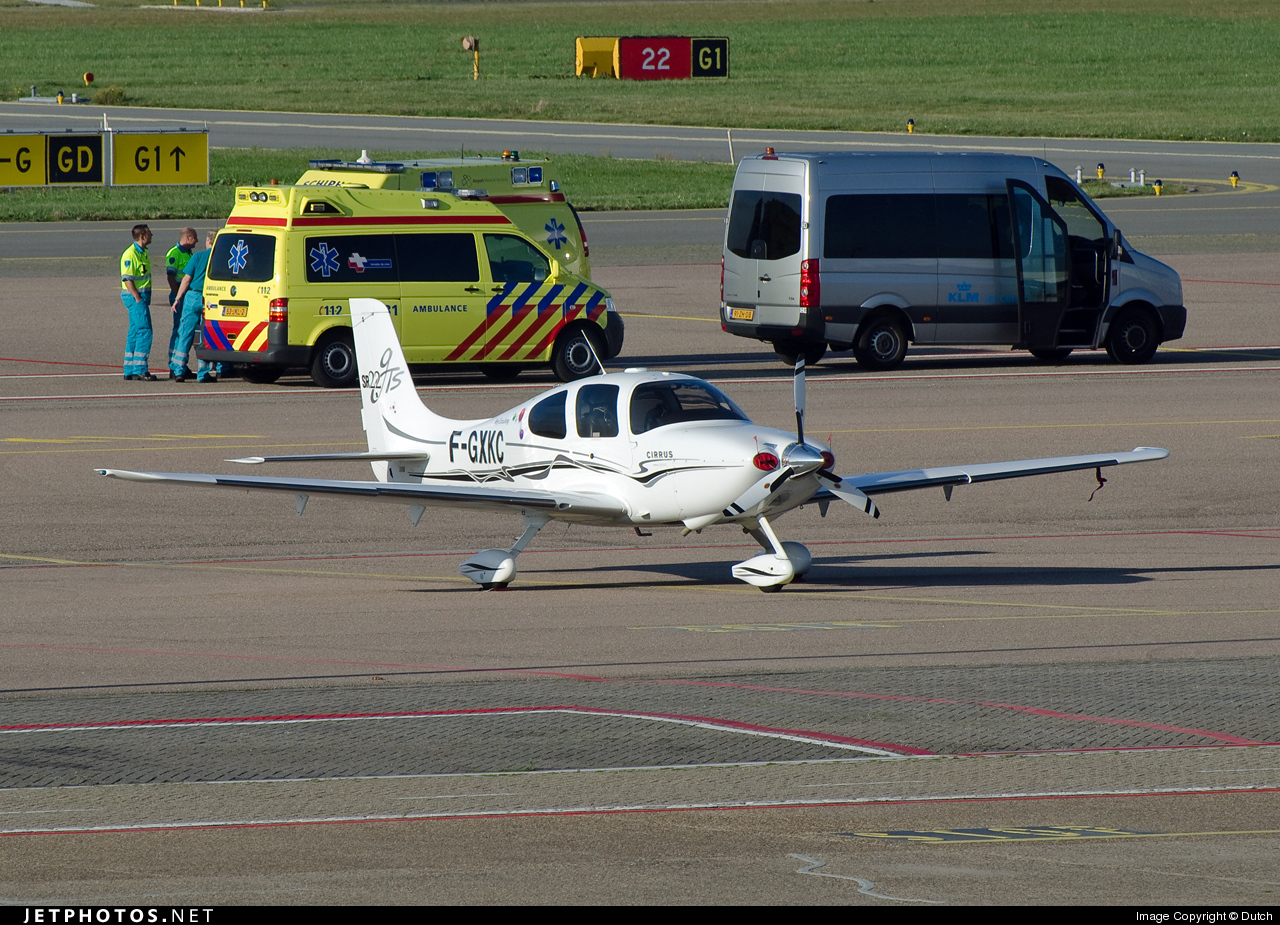 Photo of F-GXKC Cirrus SR22-GTS by Dutch