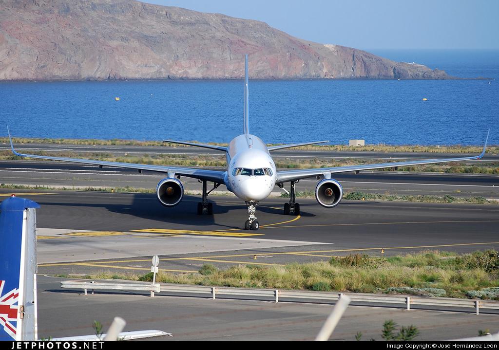 Photo of D-ABOA Boeing 757-330 by José Hernández León