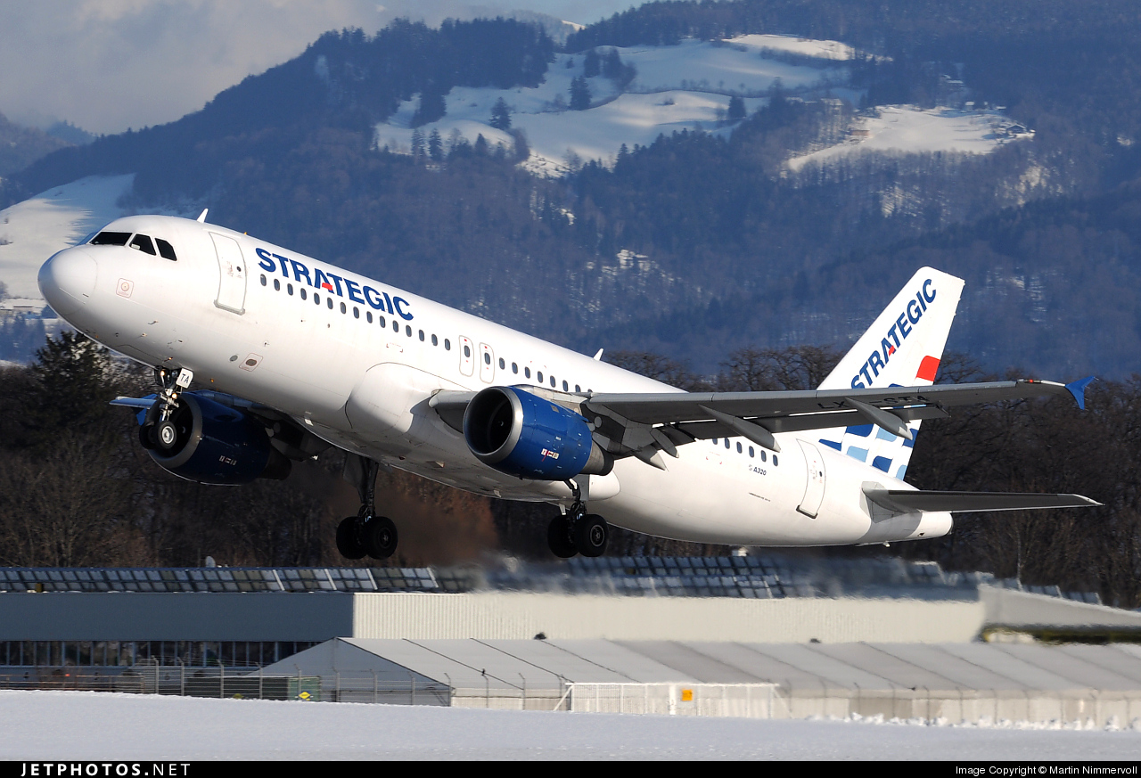 Photo of LX-STA Airbus A320-212 by Martin Nimmervoll