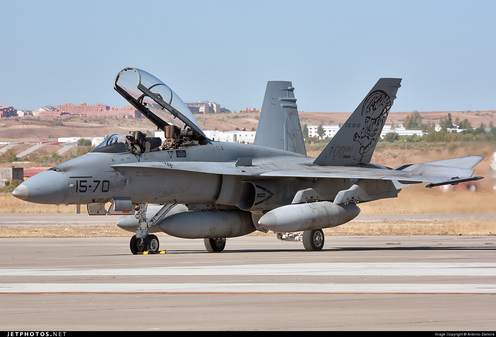 Photo of CE.15-01 McDonnell Douglas EF-18B+ Hornet by Antonio Zamora
