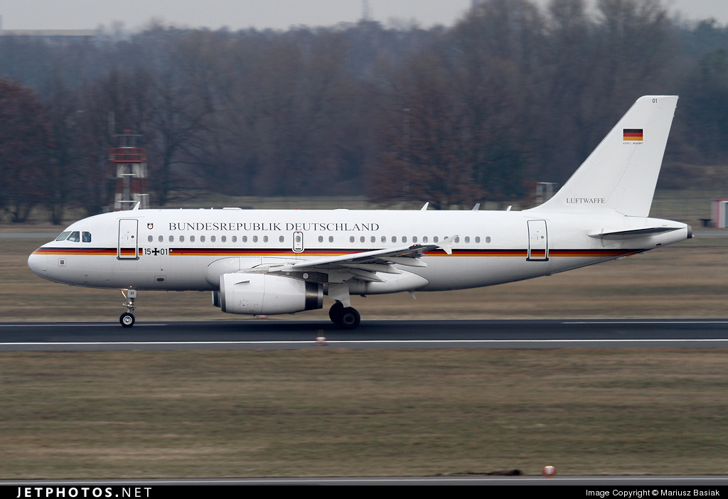 Photo of 15-01 Airbus A319-133X(CJ) by Mariusz Basiak