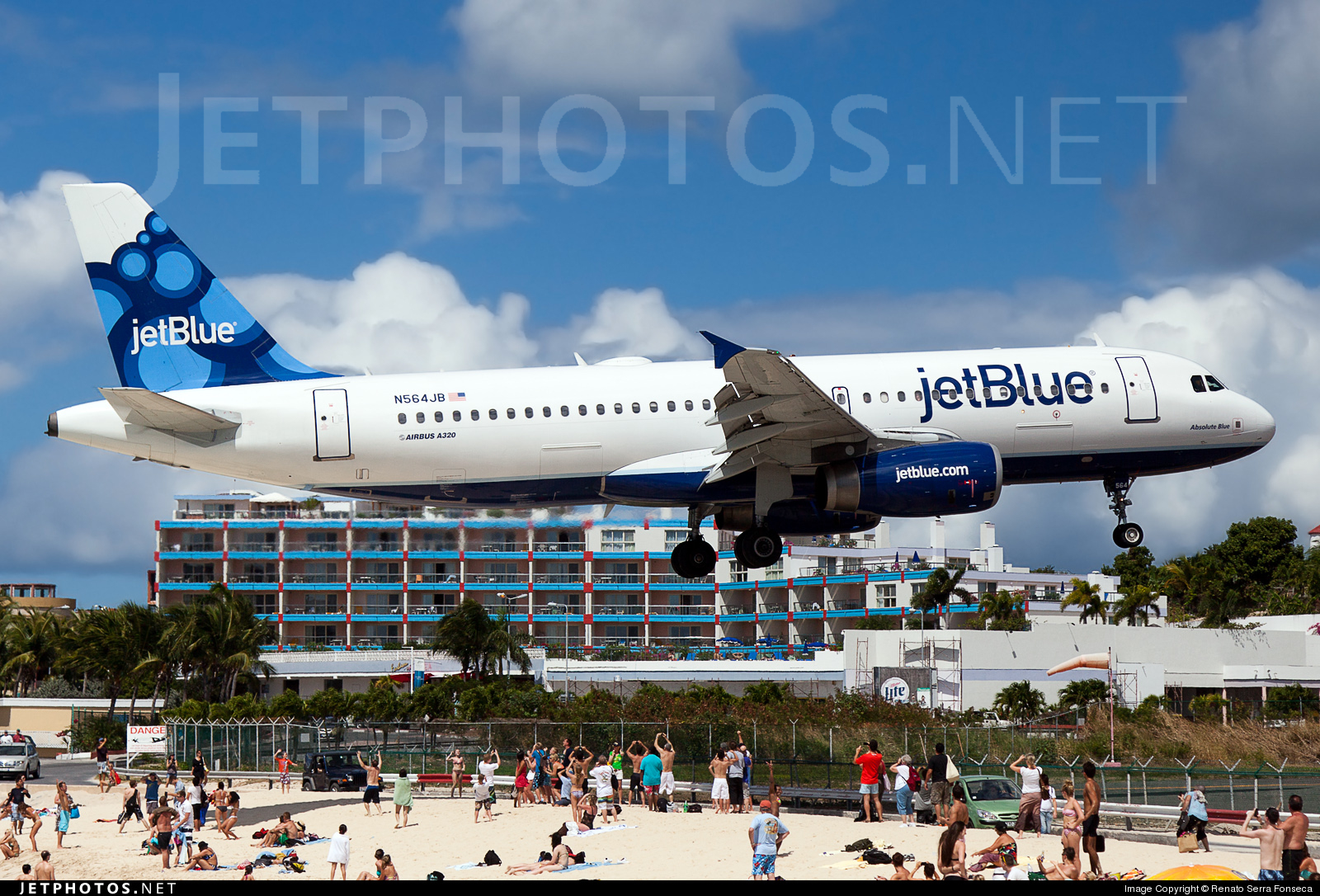 Photo of N564JB Airbus A320-232 by Renato Serra Fonseca - AirTeamImages