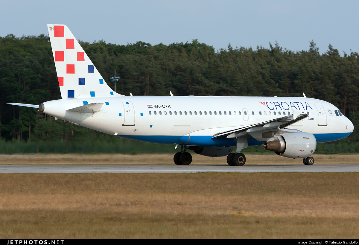 Photo of 9A-CTH Airbus A319-112 by Fabrizio Gandolfo