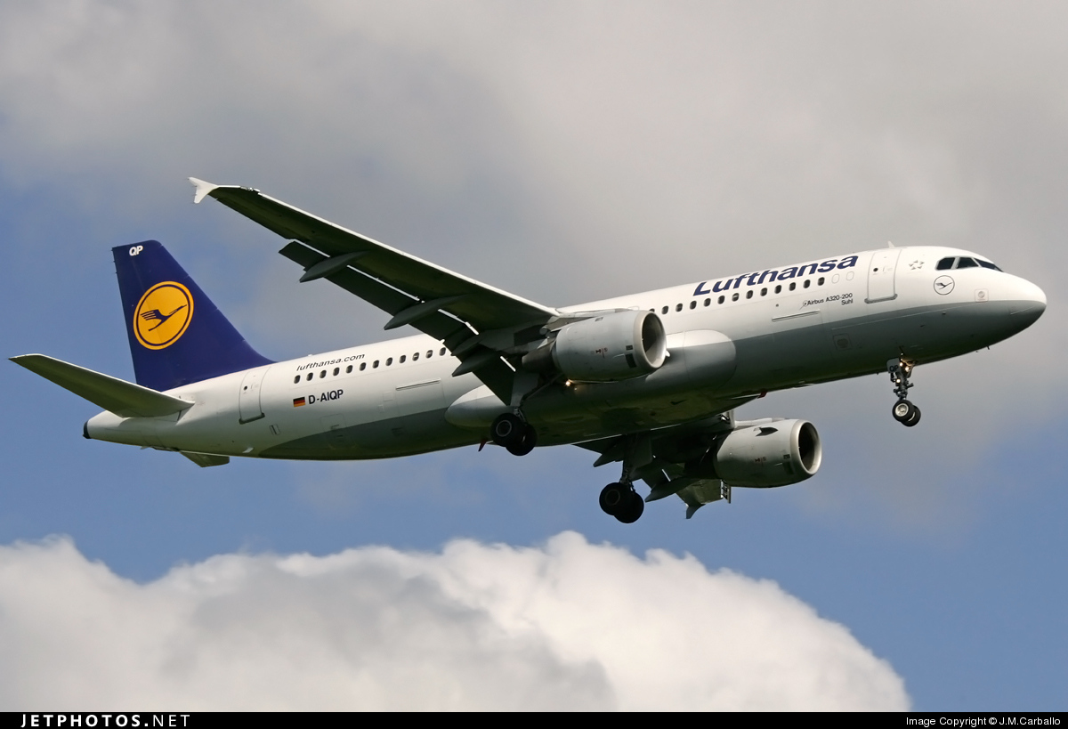 Photo of D-AIQP Airbus A320-211 by J.M.Carballo