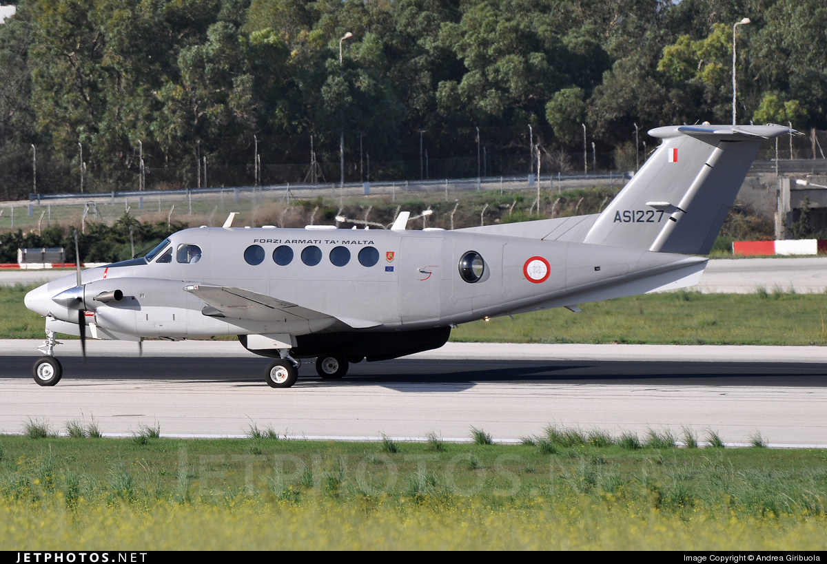 Photo of AS1227 Beechcraft B200 Super King Air by Andrea Giribuola