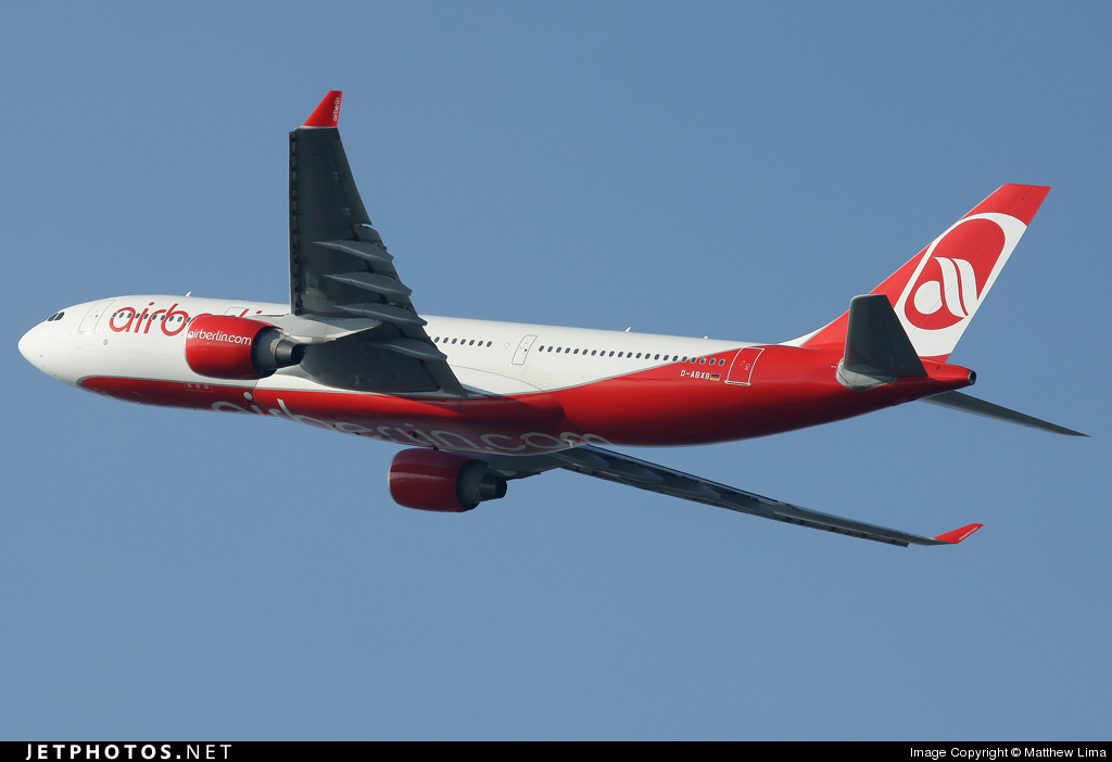 Photo of D-ABXB Airbus A330-223 by Matthew Lima