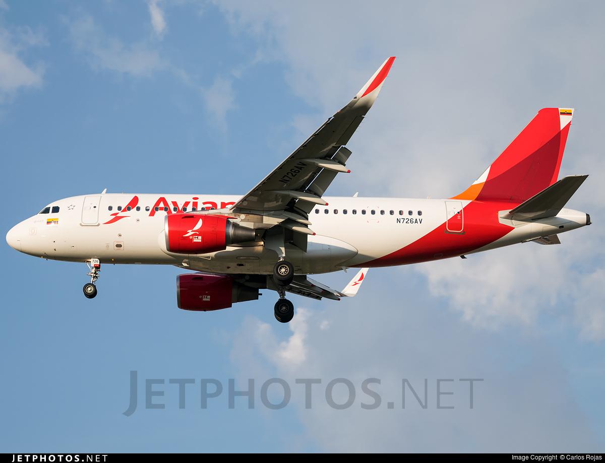 Photo of N726AV Airbus A319-115 by Carlos Rojas