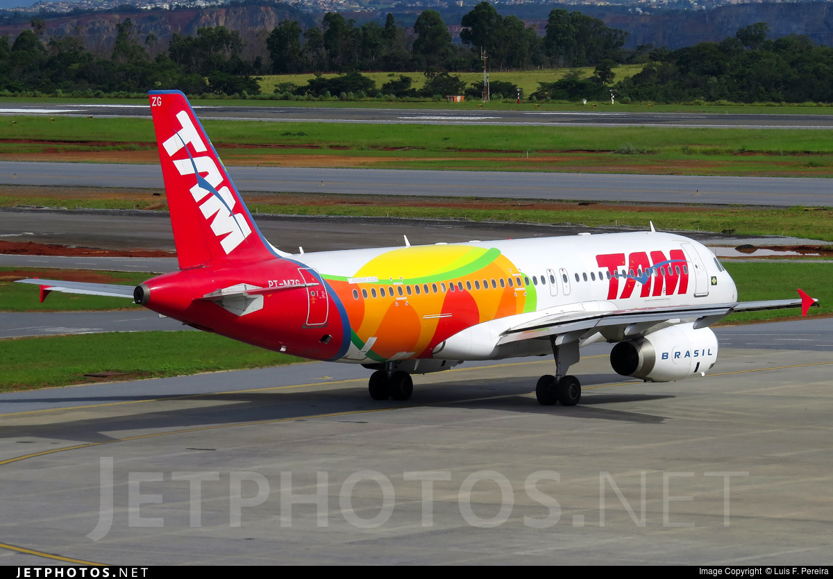 Photo of PT-MZG Airbus A320-232 by Luis F. Pereira