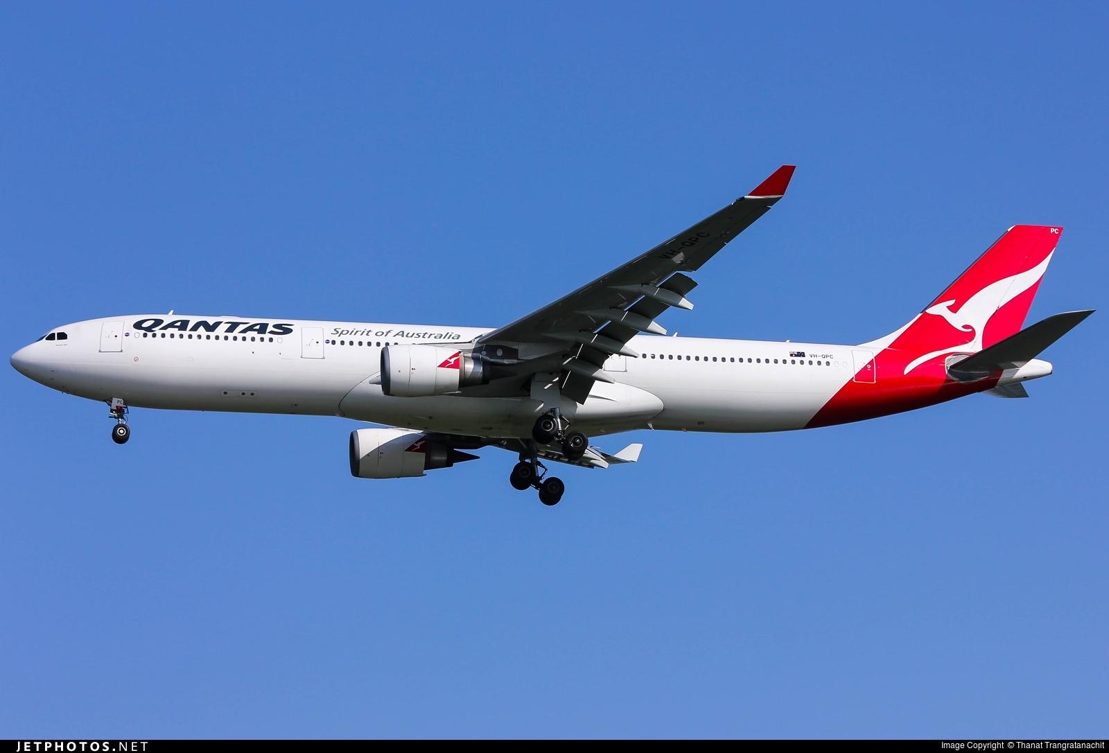 Photo of VH-QPC Airbus A330-303 by Thanat Trangratanachit