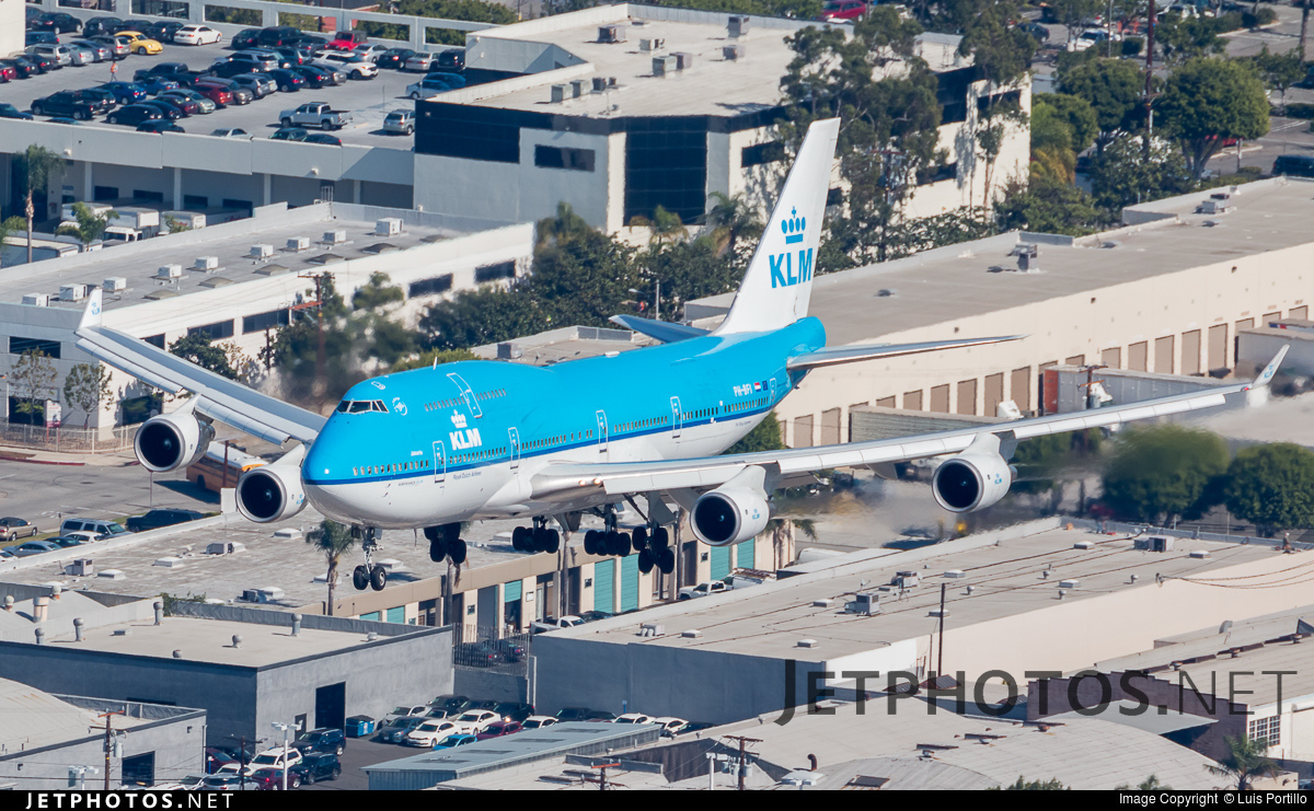 Photo of PH-BFI Boeing 747-406(M) by Luis Portillo