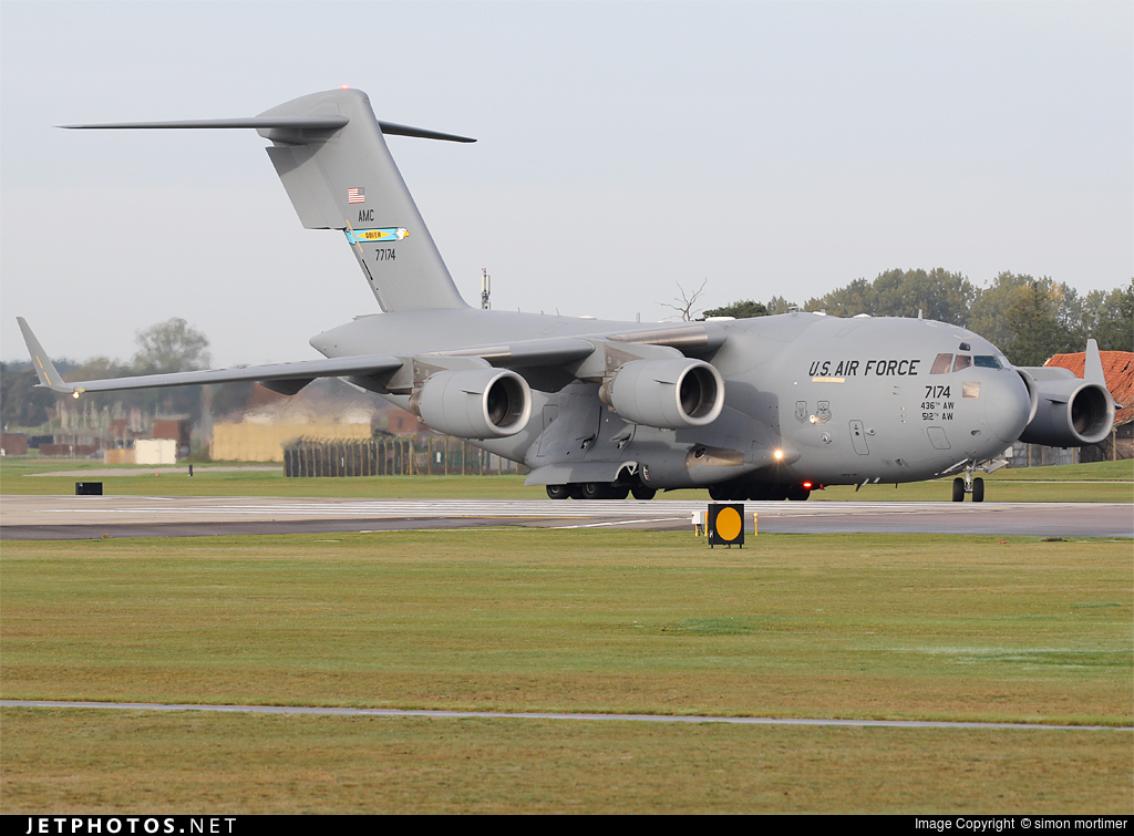 Photo of 07-7174 Boeing C-17A Globemaster III by simon mortimer