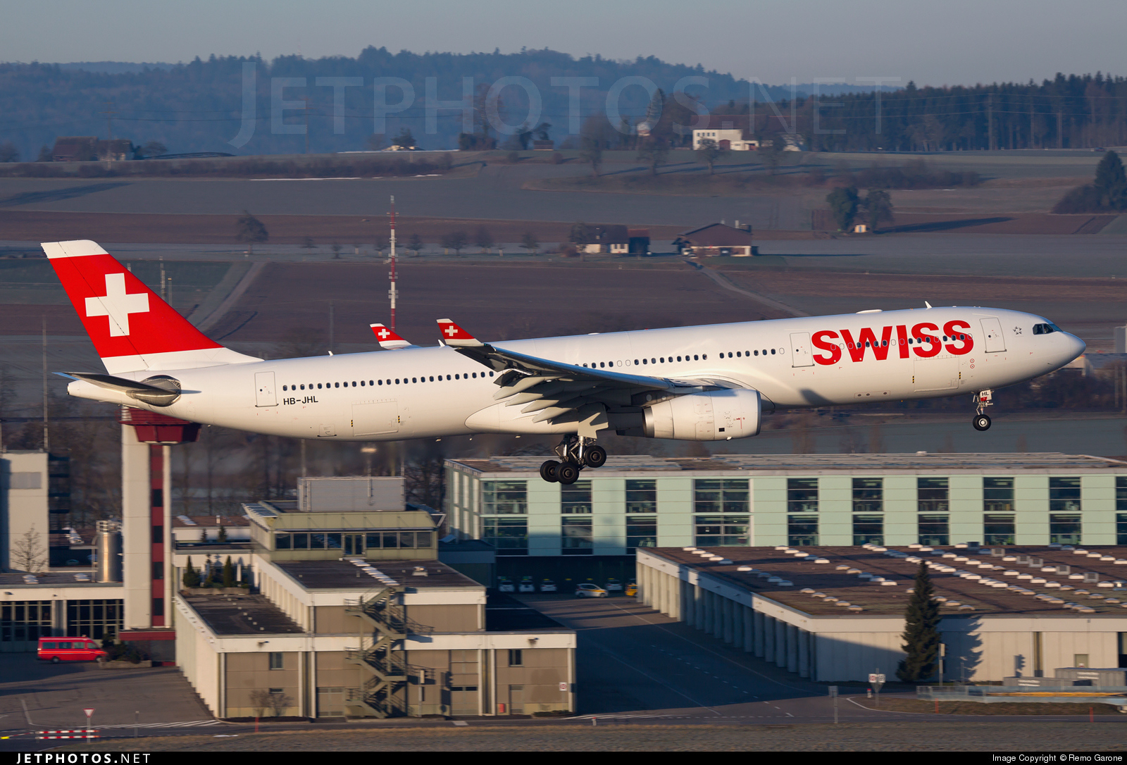 HB-JHL caught at ZRH/LSZH on March 7th 2015