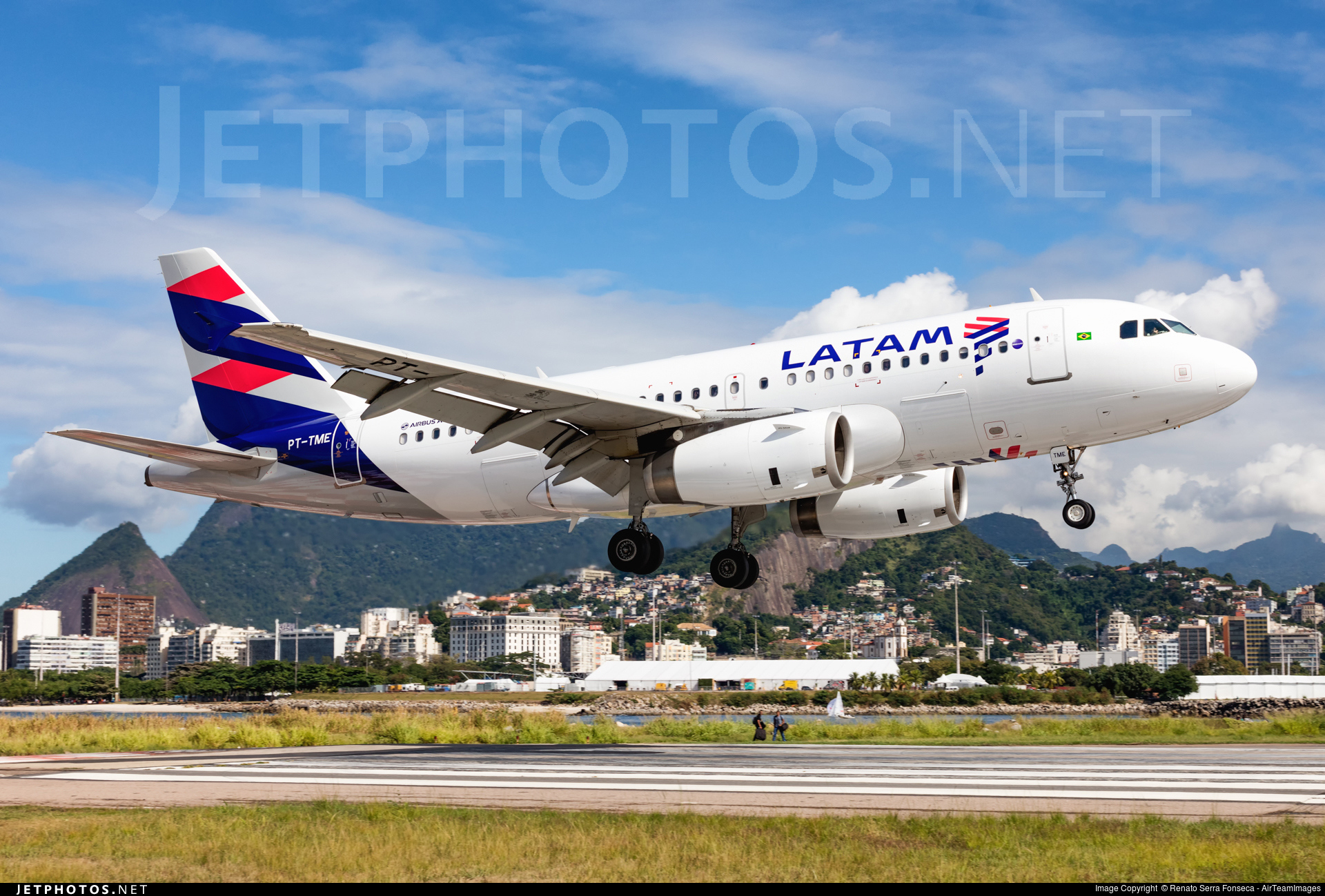 Photo of PT-TME Airbus A319-132 by Renato Serra Fonseca - AirTeamImages